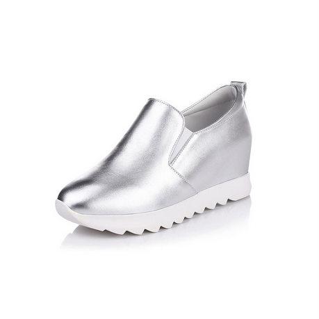 贝奴诗春新款休闲头层牛皮松糕跟圆头低帮女鞋内增高套脚单鞋