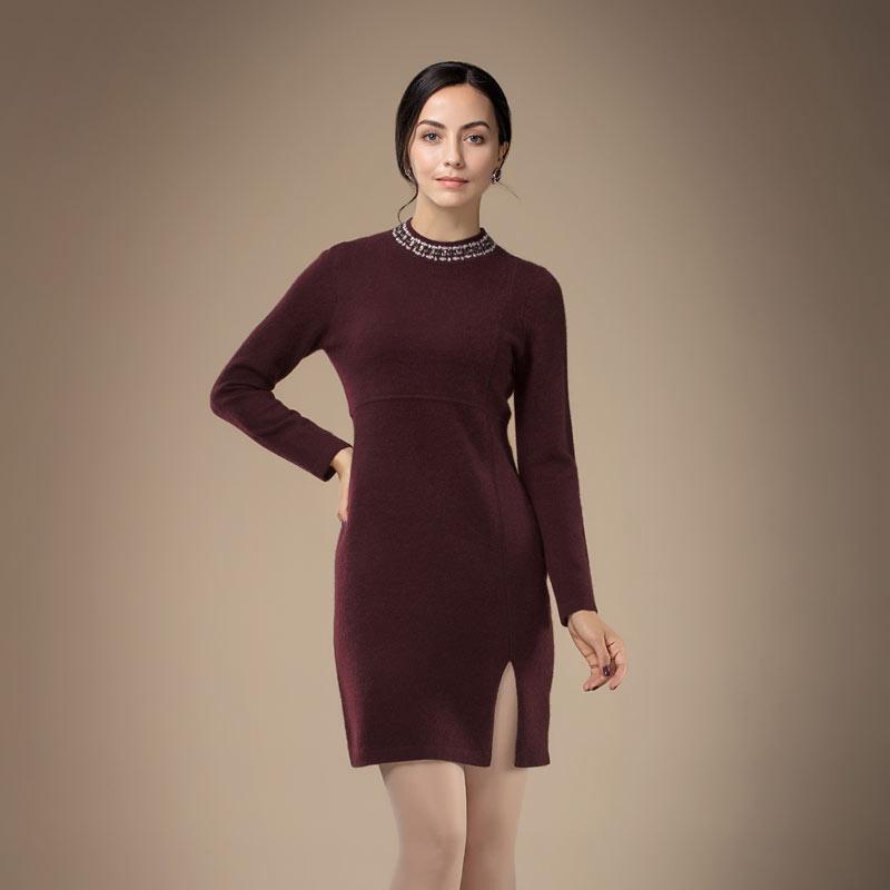 兆君女半高领镶钻加厚连衣裙·红棕