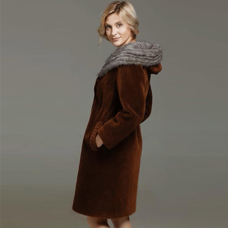 恺瑞水貂帽女士羊剪绒大衣·咖啡色