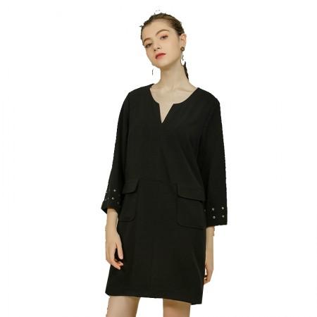 莉莉的V领宽松显瘦黑色九分袖a字裙中长款LL216404009·黑色