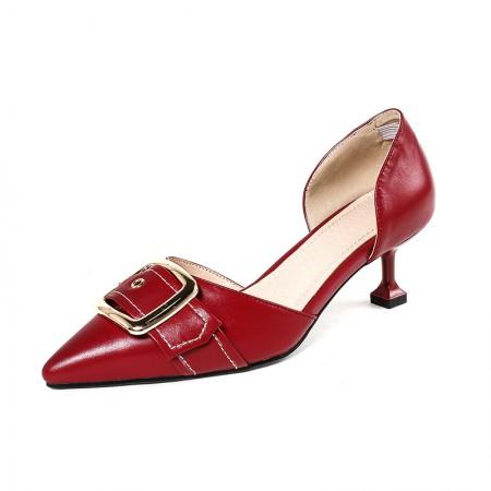 奈绮儿尖头浅口细跟皮带扣中空单鞋女鞋·枣红色