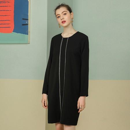 莉莉的圆领拼接撞色织带宽松A字裙子LL216404016·黑色