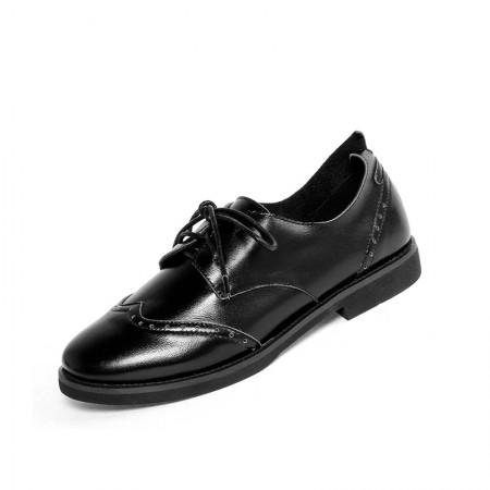 奈绮儿 牛皮布洛克雕花圆头系带平底英伦风复古粗跟休闲皮鞋 女鞋·黑灰色