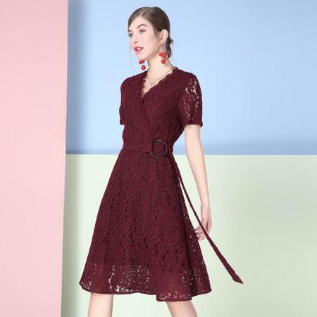 欧力丝V领斜门襟A摆绑腰带蕾丝连衣裙·绛紫色