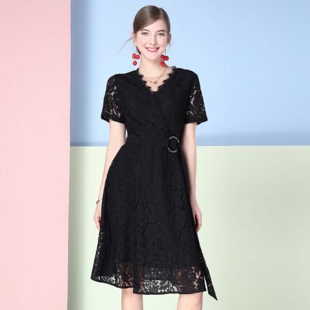欧力丝V领斜门襟A摆绑腰带蕾丝连衣裙颜色·黑色