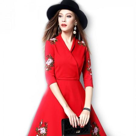 丁摩 新款欧美时尚刺绣连衣裙·红色