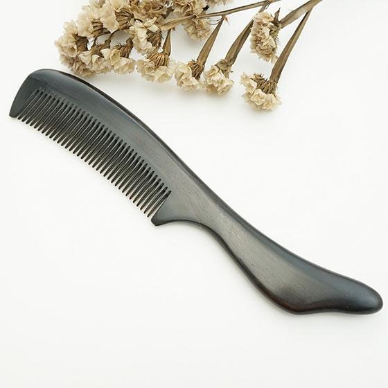 百年许氏珍贵黑檀牛角梳