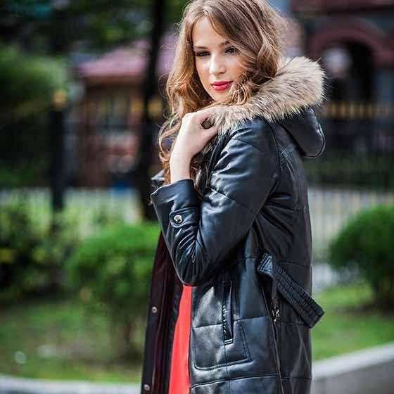 田诺女式貉子毛领皮羽绒服 黑色