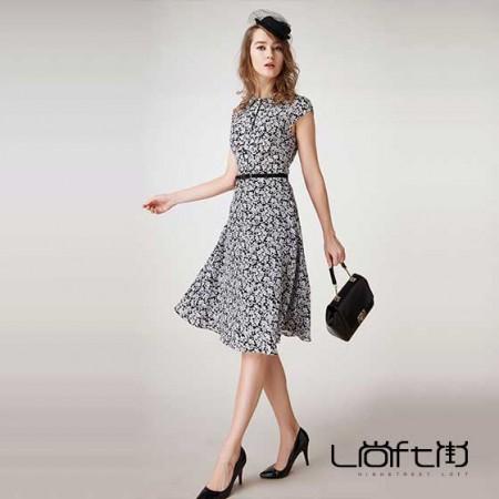 尚街 短袖真丝连衣裙·黑色