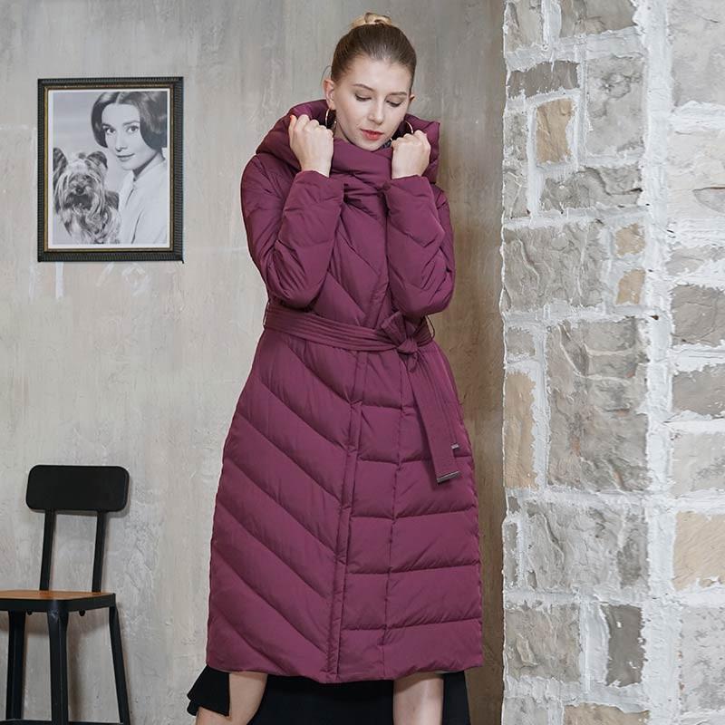 朗姿优雅长款修身羽绒服·玛莎拉红