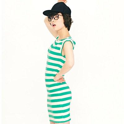 Street修身条纹无袖连衣裙 绿白条纹